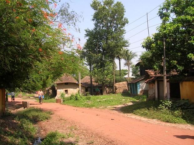 a-village-road